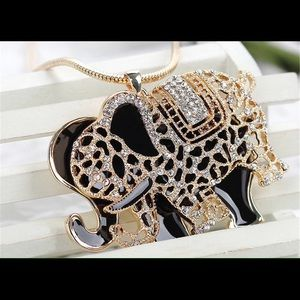 Jewelry - Glittering rhinestone elephant necklace