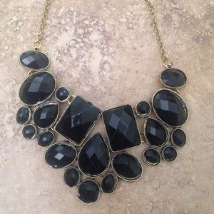 Jewelry - Black statement bib necklace