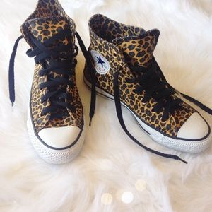 NWOT Adorable Leopard High Top Converse