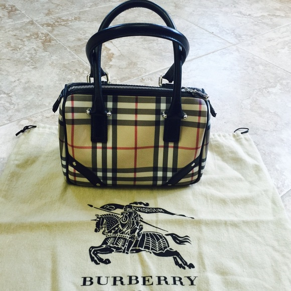 c1811c7457c Burberry Bags   Small Sized Doctors Bag   Poshmark