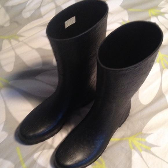 ugg wilshire short rain boot