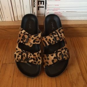 Shoes - Birkenstock style sandals