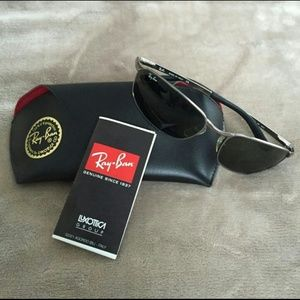 f9ffdf5ec5b Ray-Ban Accessories - RayBan RB3175 FLIGHT Nonpolarized Sunglasses EUC