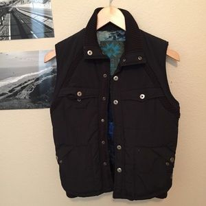 Volcom black vest