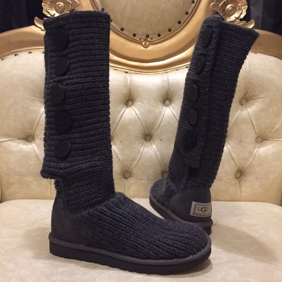 Authentic UGG gray Cardy 5 buttons knitted boot