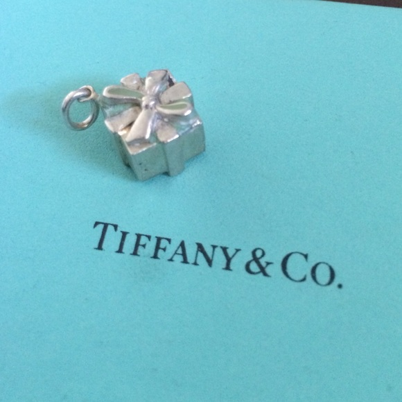 e8243662eb78d TIFFANY & CO Gift Box Charm Authentic But Damaged