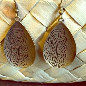 Jewelry - Earrings with tribal pattern