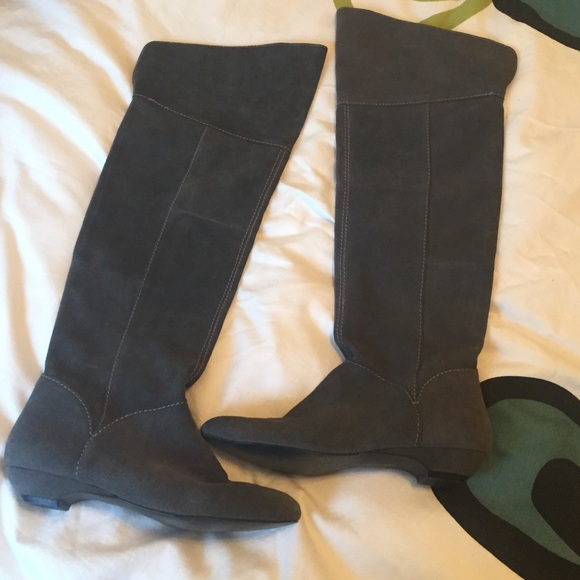 472146a5d19 Steve Madden over the knee suede boots. M 551ae4b67e7ef60303004579