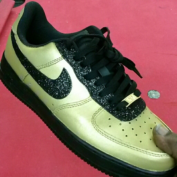 Nike Air Force 1 Low 1World Kaws