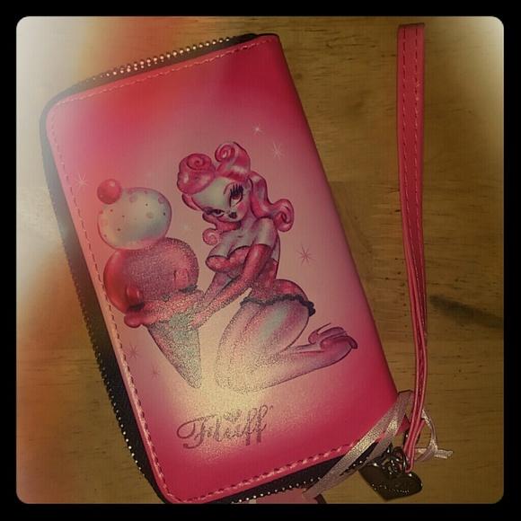 d16078da02f8 BUNDLE fluff card holder and makeup pouch