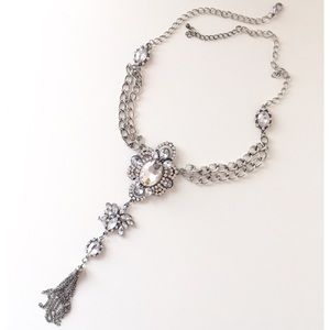 New!💟 Stunning Silver Stones Long Deco Necklace