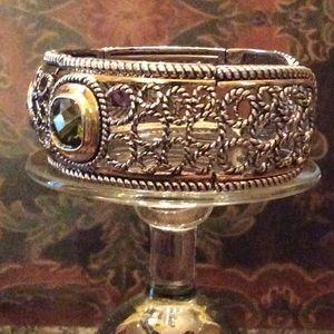 Jewelry - 🎉HP🎉 Multi stone bracelet
