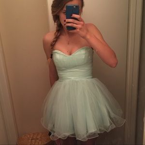 CUSTOM WINDSOR Seafoam Green Prom Dress