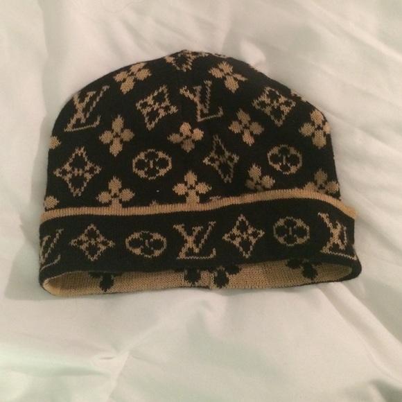 Louis Vuitton Accessories - Louis Vuitton winter hat 560310d4df06