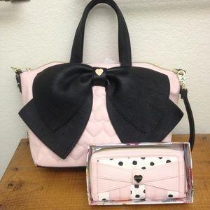 39% off Betsey Johnson Handbags - Black And Pink Bow Messenger Bag ...