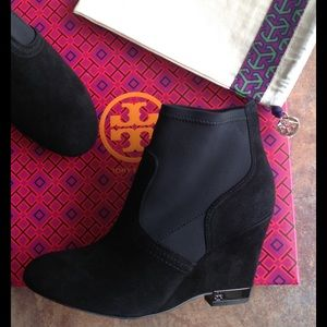 NEW TORY BURCH BRENDA black wedge suede bootie 7.5