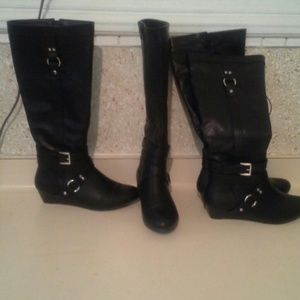 2 pair /Bundle boots. 61/2