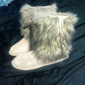 Shoes - Slipper boots!