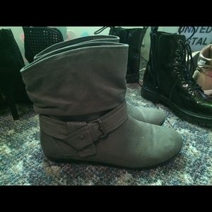 Gray booties size 6! Super cute