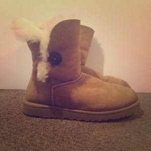 Ugg Bailey Button Boot (Chestnut)