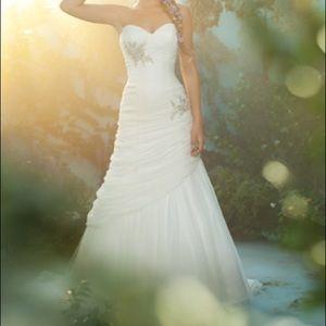 Alfred Angelo Rapunzel Disney Wedding Dress OBO
