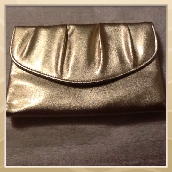GORGEOUS GOLD HAND PURSE