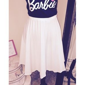 Dresses & Skirts - White pleated skater skirt size 16