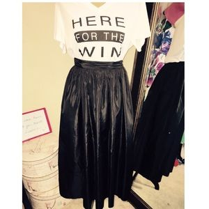 Skirts - Size 8 Black midi skirt with tulle lining