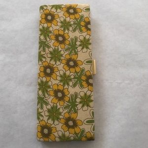 Boutique Handbags - Floral clutch from boutique.