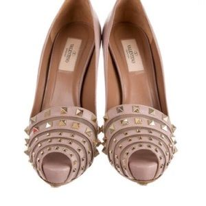 BN , never worn Authentic Valentino pumps