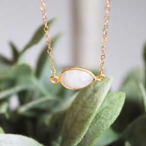 "LucyMint Jewelry - White ""Rainbow"" Moonstone Necklace"