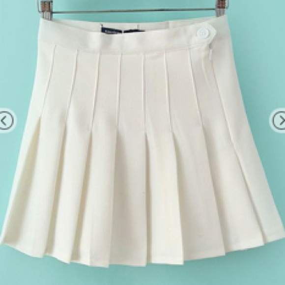 63 american apparel dresses skirts white pleated