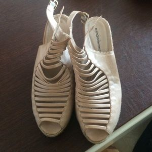 Shoes - Nude wedge