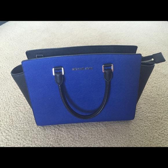 426ca54b5a88 M 551ebcb201985e5cd8002a80. Other Bags you may like. Michael kors ...