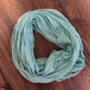 Look scarf
