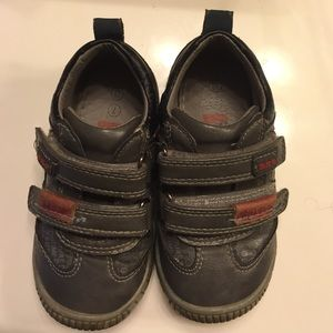 Beeko Other - Toddler grey urban sneakers❗️