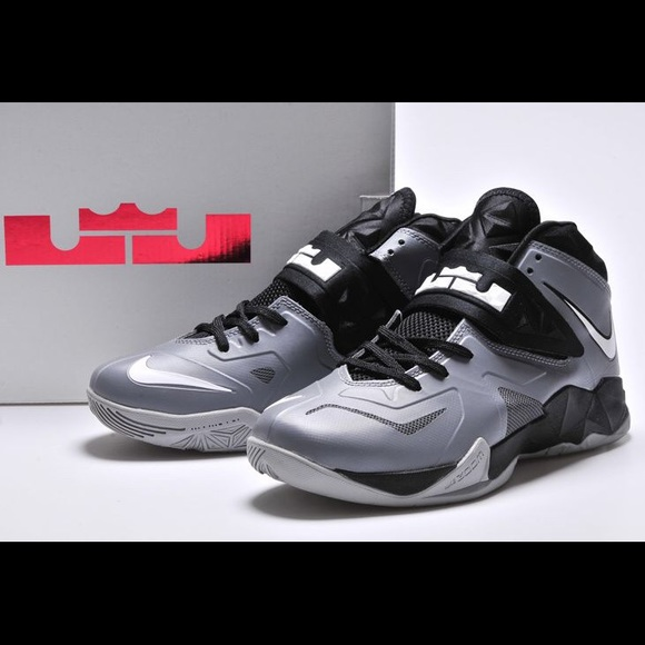 sneakers for cheap eb0c6 e5f49 LeBron James Nike Zoom Soldier VII. M 58152e3d78b31c737e0211bf