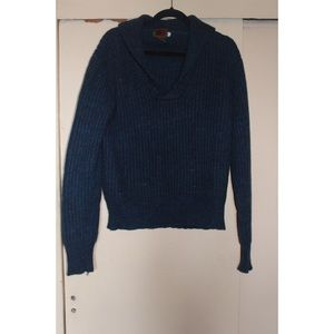Oversized blue sweater