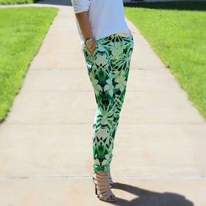 🌴Host Pick🌴Vince Camuto tropical trousers