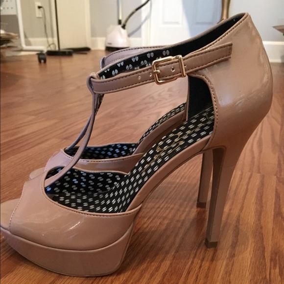 672533b2458a Jessica Simpson Shoes - Jessica Simpson nude patent Bansi sandals