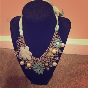 Gorgeous Statement Necklace !
