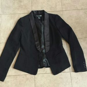 NWOT Forever 21 black blazer with satin black trim