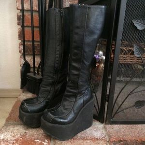 1624b6395e5d Luichiny Shoes - 90s LUICHINY Cyber Goth Wedge Platform Boot