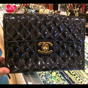 CHANEL  Authentic Vintage Jumbo bag