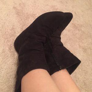 Black elf booties with zipper!