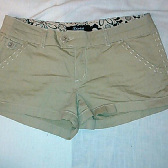 60% off rewash Denim - NEVER WORN Rewash tan jean shorts from ...