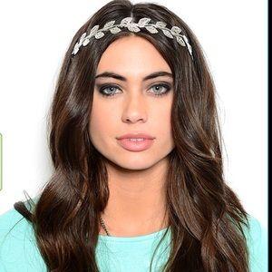 🎉HP🎉 Metallic gold or silver feather headband
