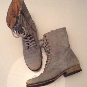 Steve madden shoes | limited edition light blue troopa | poshmark.