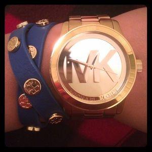 ⚡️FLASH SALE⚡️ Blue Tory Burch Wrap Bracelet