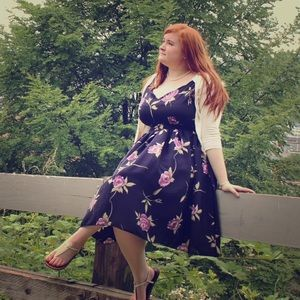 Queen of Heartz Dresses & Skirts - ⬇️ Floral Print Retro Inspired Dress (Plus Size)